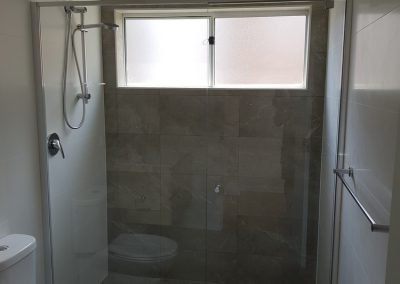 Showers screen mirros Sydney 1 e1520385352870