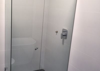 Showers screen mirros Sydney 11