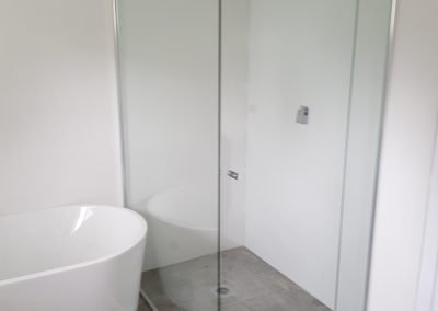 Showers screen mirros Sydney 2 e1520385342315