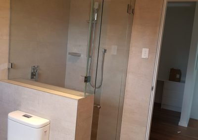Showers screen mirros Sydney 4 e1520385333251